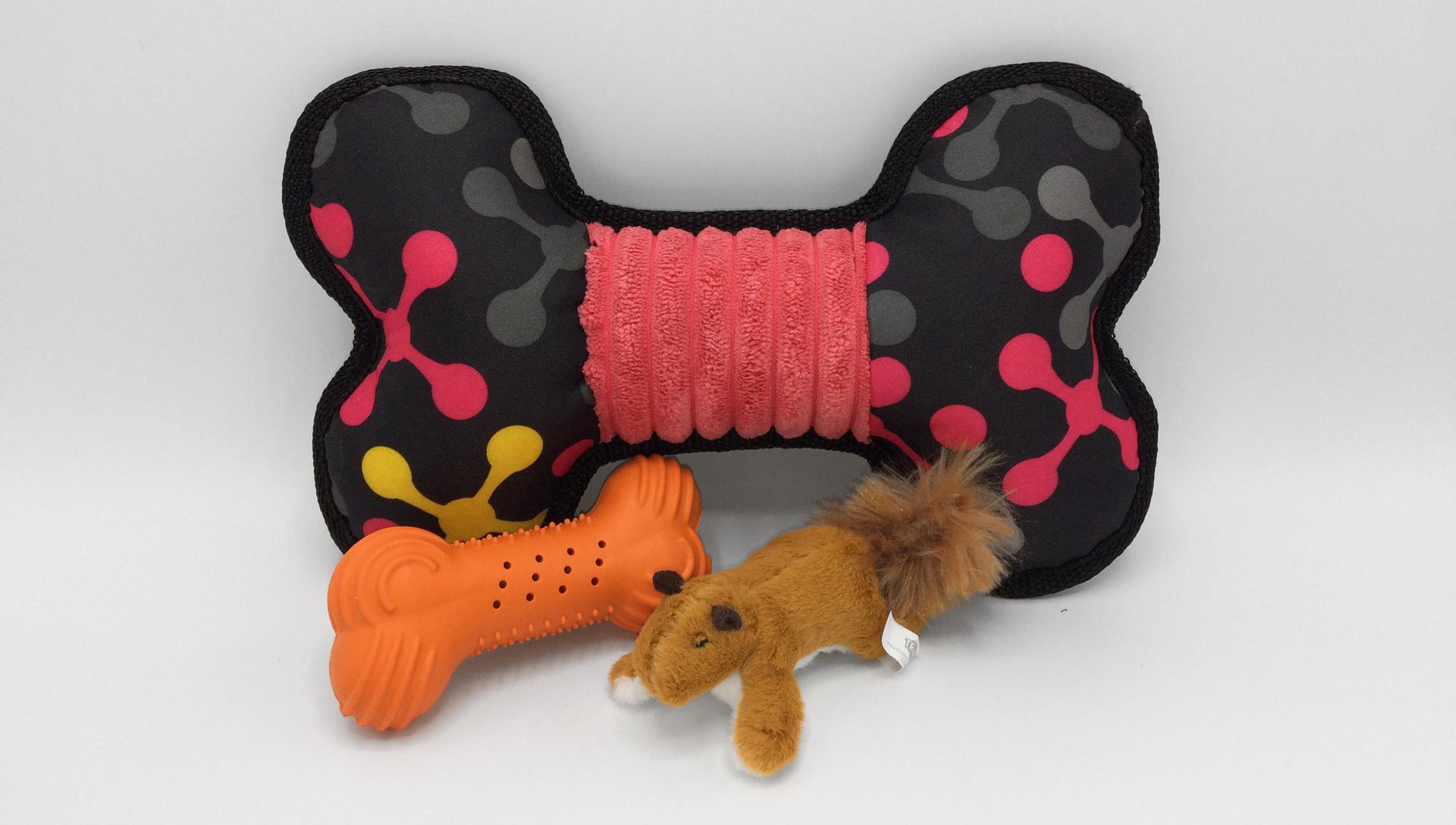 Trixie plyšová veverka, chrastící kost a sportovní kost